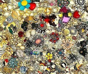 Brooch LOT, HUGE 300+ VINTAGE ESTATE Jewelry  Repair, Craft or Wear