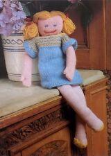 """Jouet lecteur de disquette doll knitting pattern vintage en peluche robe dk laine 51cm/20"""" tall"""
