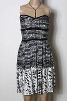 MANGO Kleid Gr. S schwarz-weiß kurz/mini Muster Bandeau Corsage Kleid