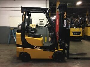 2014 Yale 4000 Lb Forklift With Side Shift and Triple Mast