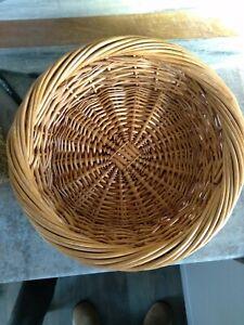 Round wicker basket 13 Inch Diameter
