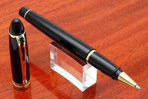 Aurora Fine Pens Italia Ipsilon De Luxe Black Resin + Gold Roller - Ballpen e257