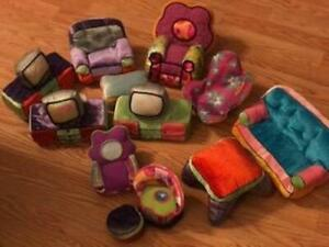 HUGE LOT of Manhattan Toy Groovy Girls Furniture 12 Pieces
