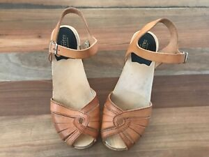 Swedish Hasbeens leather heeled sandal Size 7.