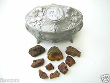 Antike Schmuck Schatulle Kästchen 9 x Roh Bernsteine Raw Amber Konvolut 42,7 g