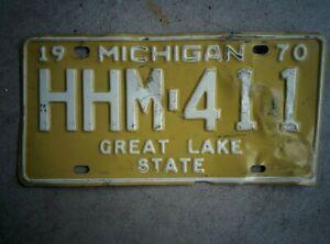 Vintage 1970 MICHIGAN MI Vehicle Rustic USA Metal License Plate HHM 441 ~ Poor
