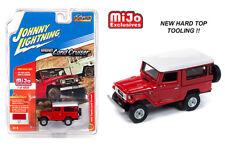 Johnny Lightning Toyota Land Cruiser 1980 Hard Top Red JLCP7160 1/64