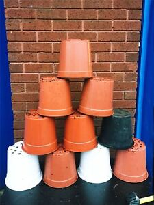 """12 Plant Pots 23-24cm Strong Plastic Round Flower Pot 9"""" High Quality 5Liter 5L"""