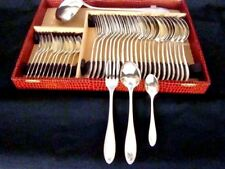 ménagére de 37 piéces en métal argenté 84 grs de style Louis XVI (avec écrin)