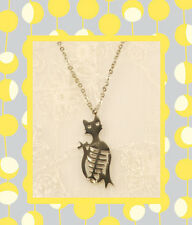 """CC20150 - Eye catching """"silver"""" pendant with a cat and his loving fish bone"""
