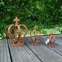 Krone Rostkrone Edelrostkrone Metallkrone mit Lilie Metall Gartendekoration