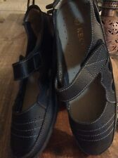 New in Box Women's Shoes 11 M Black Leather Mary Janes Kecom