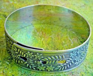 Fantastic vintage solid silver bangle bracelet. 30g