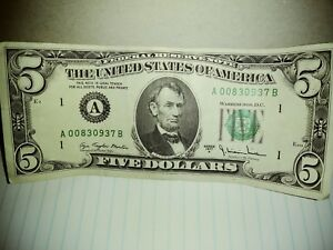 5 dollar bill rare 1977 crisp  ( federal reserve banknote ) 42 year old