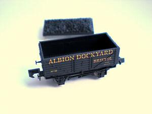 Dapol N Gauge Albion Dockyard Bristol 7 Plank Wagon No 10 (Limited Edition)