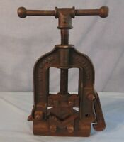 Pipe Vise Clamp Tool Cast Iron Vintage Mark MFG. Chicago American Pipe Tool Co.