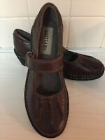 Eastland Mary Jane womens 6 M Brown leather NEW adjust strap flats shoes 3103-02
