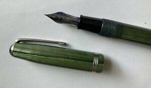 Vintage Esterbrook fountain pen, green pearlescent finish, nib 9128