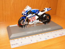 YAMAHA YZR-M1 2010 JORGE LORENZO 1/18 MOTO-GP FIAT PETRONAS #99