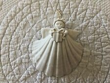 Margaret Fulong 1991 Shell Angel With Present Ornament