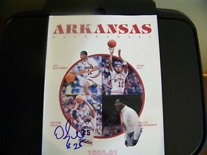 University of Arkansas 1990-91 Press Guide signed by Oliver Miller