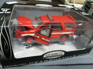 FORD EXPEDITION SUV BOSTON FIRE DEPARTMENT DIECAST SCALE 1/43 GEARBOX TOYS