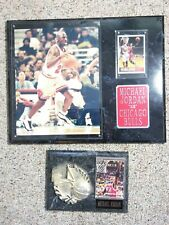 Chicago Bulls 12x15 PLAQUE 8X11 PHOTO 1 CARDS Michael Jordan + Frequent Flyer
