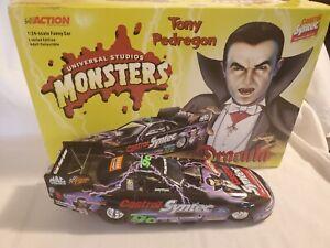 Action TONY PEDREGON Castrol Dracula 1:24 2000 Mustang Funny Car Diecast 1/5448