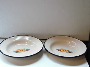 """2 Tan Enamel Ware Bowls With Yellow & Brown Daisy Flowers 8 1/4"""" Diameter"""