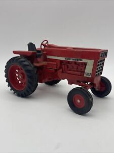 Vintage Ertle IH International Harvester Farmall 966 Tractor 1/16 Scale
