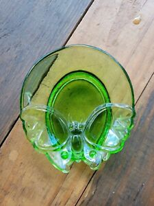 Vintage Rare Green Glass Butterfly Trinket Pill Jewelry Dish