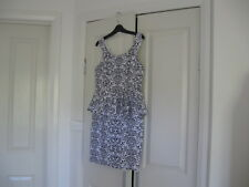 Ladies Dress Design Temt Size L Black & White No Sleeves Lined at the top