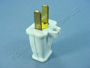 Cooper White Plug w/ CORD CLIP 15A Non-Polarized 1-15P Bulk Non-Grounding SA840W