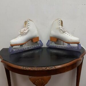 Ice Skates SFR gold edition Size 5 with covers and bag
