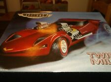 HOT WHEELS  LEGENDS TO LIFE MOTORIZED TWIN MILL 1/24