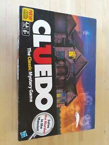 Hasbro CLUEDO The Classic Mystery Game Board - 38712