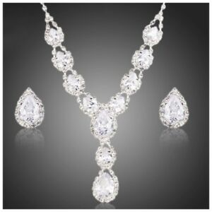 The Pippa Made Using Swarovski Crystals Elegant Bridal Necklace Set $218 S11
