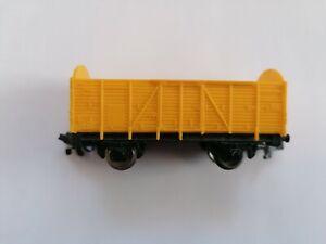 Rokal Spur TT - zweiachsige offener Güterwagen in Gelb