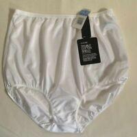 NWT Feminine Olga White Nylon Tricot Tailored Panties w/Pillow Tab. Size 6