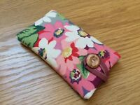 * iPhone 6s / 6s Plus Fabric Padded Case Made With Cath Kidston Painted Daisy *