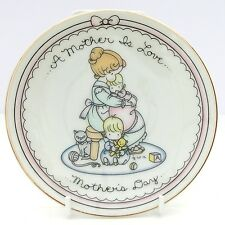 Vintage Retro Avon A Mother Is Love Mother's Day Plate 1987 Joan Walsh Anglund