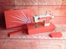 VINTAGE 1970s Miss Durham Children's Sewing Machine In Case Sewing Retro Toy
