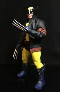 PB-WVJ: 1/12 Custom Wired Jacket for Mezco One:12 Wolverine, Logan (No Figure)