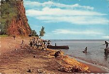 BR47562 Ile de la Martinique reparation d un filet de peche    France