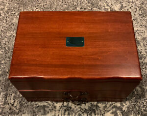 AMERICAN REED & BARTON PROVINCIAL WOODEN SILVERWARE STORAGE CHEST BOX 2 DRAWERS