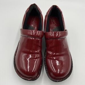 BOC Born Concept Womens Peggy Slip On Patent Leather Clogs Shoe Size 7 Red Wine