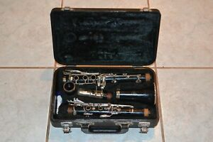YAMAHA CLARINET YCL-20 IN CASE STUDENT READY TO PLAY VERY GOOD CONDITION CASE