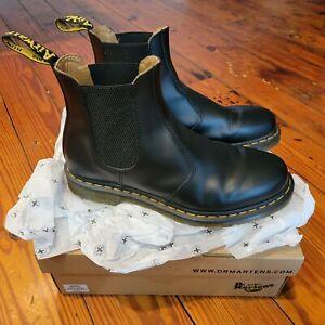 dr martens size 11 mens boots