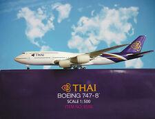 Hogan Wings 1:500 Boeing 747-8  Thai Airways LI9598 + Herpa Wings Katalog