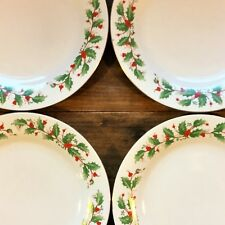 """DINNER Plate Lot of 4 CHINA PEARL 10-5/8"""" NOEL Liling Christmas Holly & Berries"""